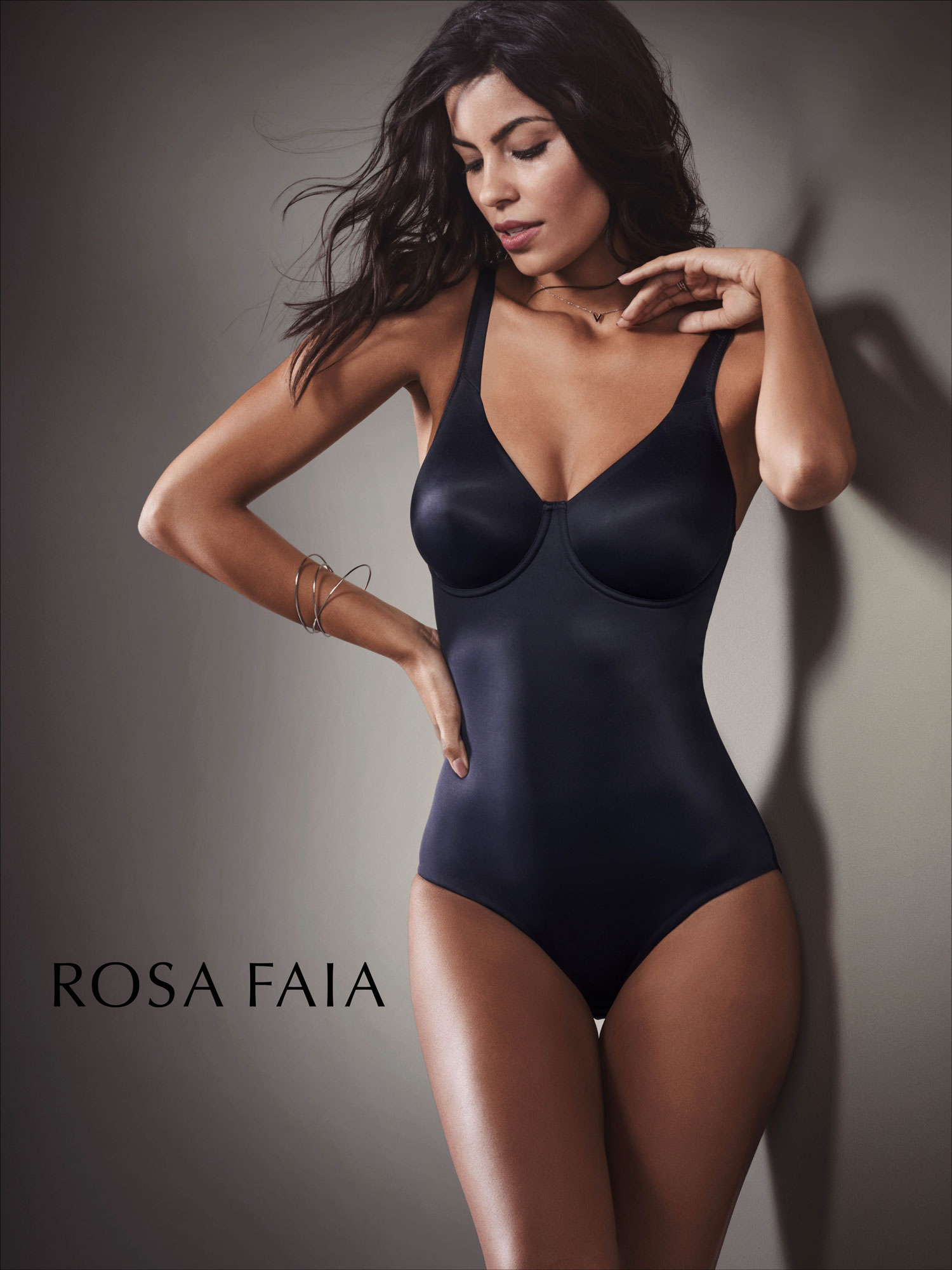 Astrid M Obert presents Rosa Faia Lingery by Anita