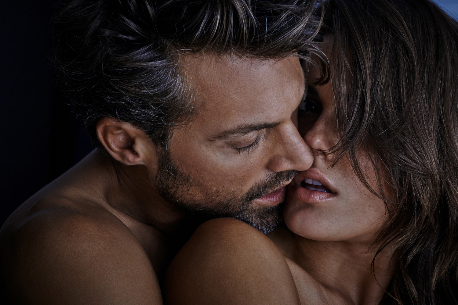 ASTRID M OBERT PHOTOGRAPHY PRESENTS - PASSION